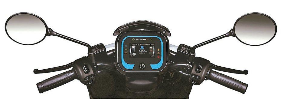 宏佳騰Ai-1 Sport搭載次世代CROXERA儀表系統,提供業界首創「一鍵導航到換電站」功能,讓智慧騎乘更聰明。 圖/宏佳騰提供