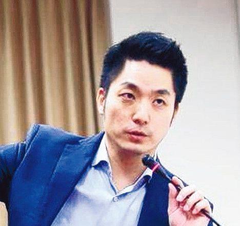 國民黨立委蔣萬安表示,蔡碧仲是政務次長,此事還未經檢察機關調查,就跳出來釐清,是...