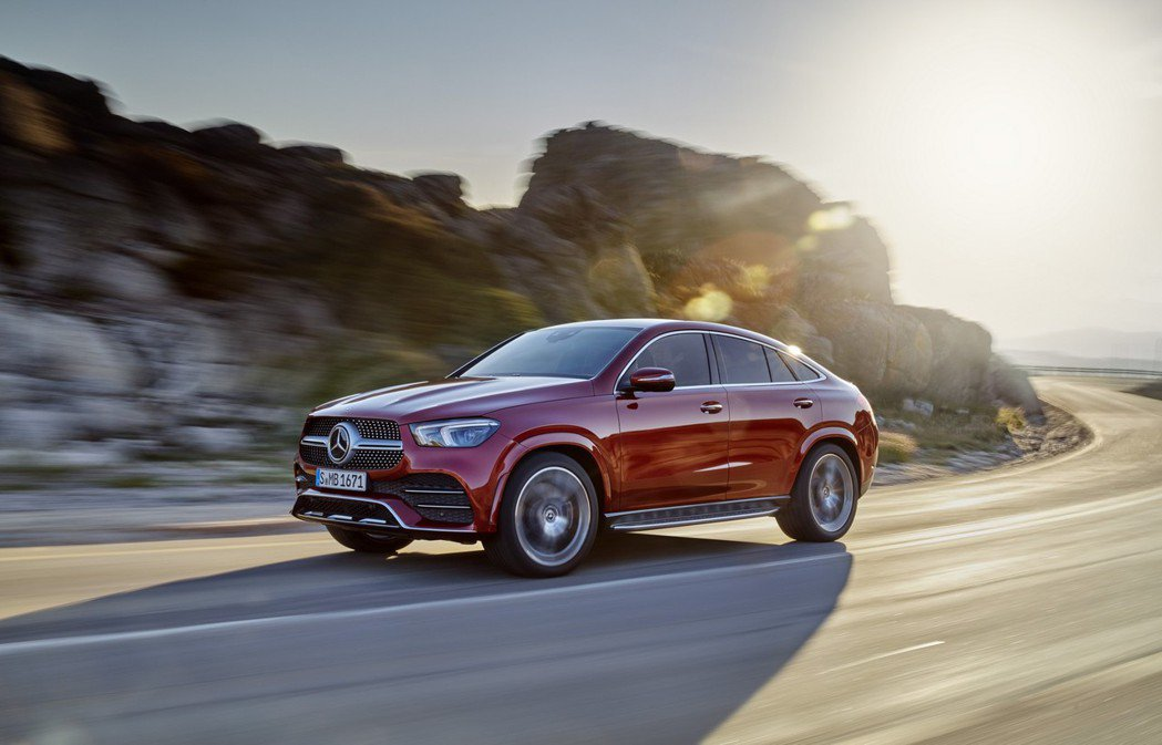 新世代Mercedes-Benz GLE Coupe共有GLE 350 d 4M...