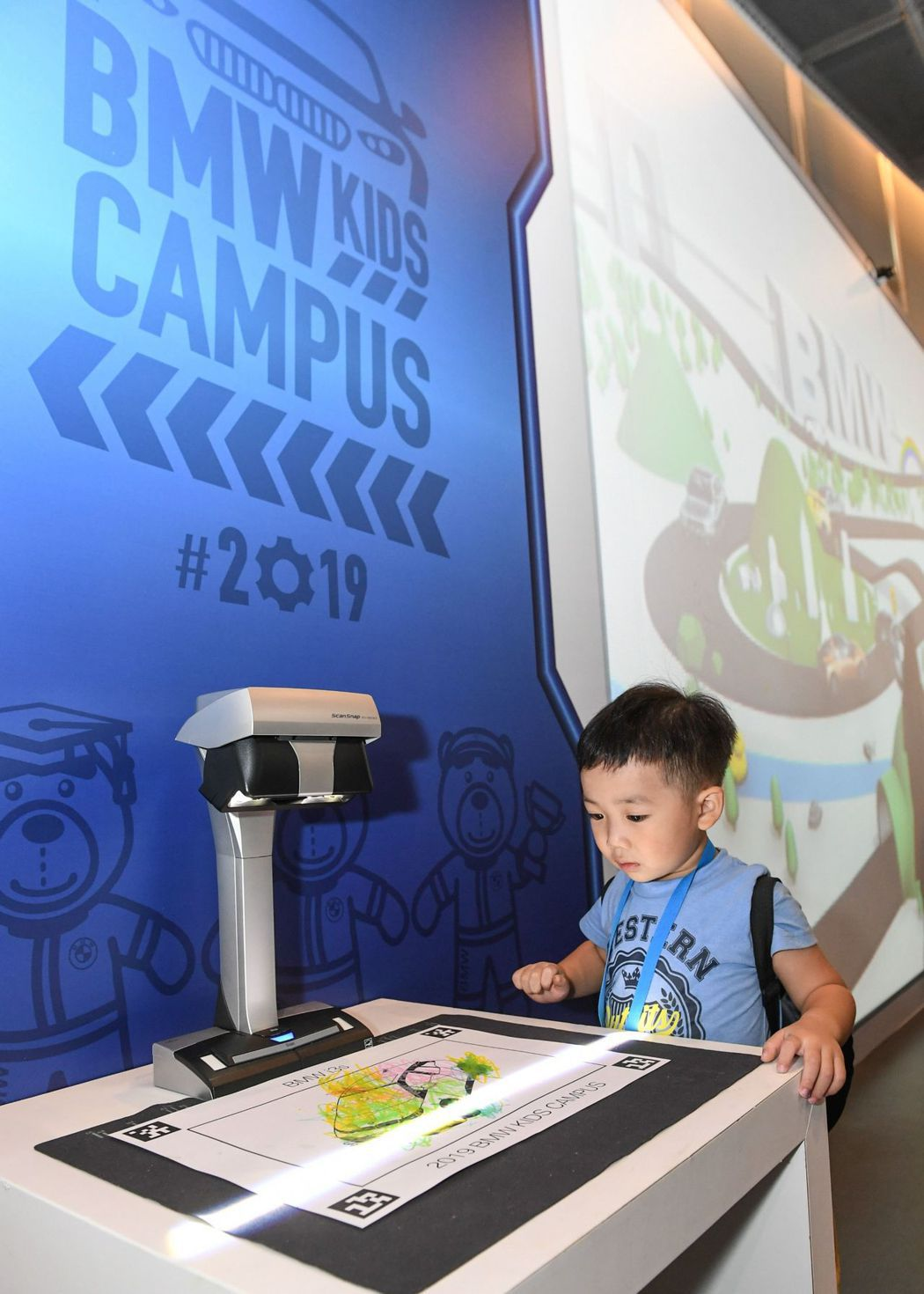 BMW Kids Campus讓孩童在學習新知的同時還可盡情揮灑、展現創意。 圖...