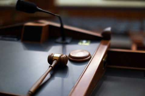 「公示送達」上網後:各地法院不同調,公告亂象如何解?