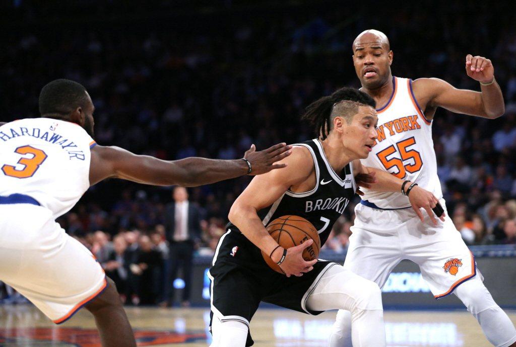 林書豪在籃網時期,因辮子頭造型遭前NBA球員馬丁(Kenyon Martin)批評「需要提醒那個小鬼,他的姓氏是『林』嗎?」 圖/路透社