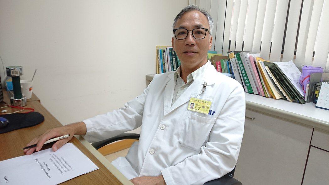 高雄榮總腎臟科主治醫師方華章說,「非典型溶血性尿毒症候群」會有血栓性小血管病變,...