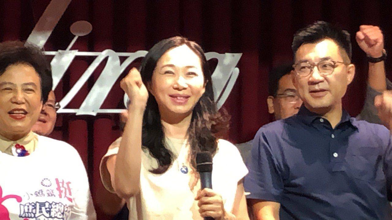 國民黨總統提名人韓國瑜的妻子李佳芬(中)。本報資料照/記者陳秋雲 攝影