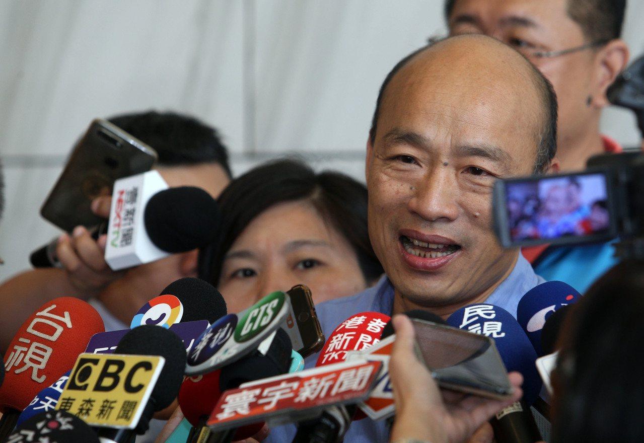 高雄市長韓國瑜的太太李佳芬接受「周刊王」專訪時表示如果可以重新選擇,不會讓韓國瑜...
