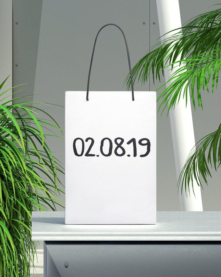 可選擇訂製的包款包括各式尺寸和不同材質的2019冬季嶄新沙漏包款與Shoppin...