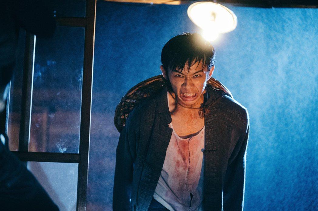 吳政迪以「日據時代的十種生存法則」一個鬼靈精怪、威麗村土霸王角色,入圍戲劇節目男...
