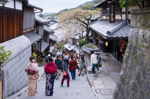 歷史現場如何再造?借鏡京都的區域性老屋保存與景觀管制
