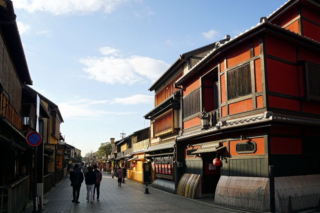 祇園有好幾家京都老店,這是老屋保存成功的原因之一。 圖/維基共享