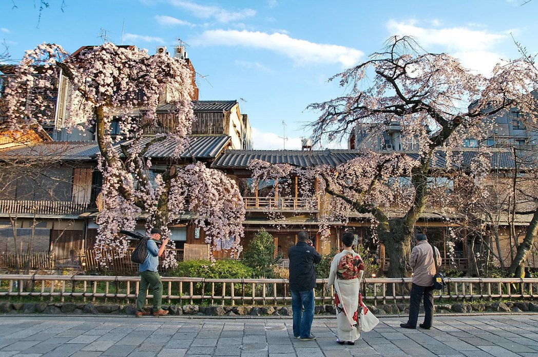 為何京都的祇園地區能保存許多老房子並使整體景觀維持協調一致? 圖/取自Kyoto-Picture(CC BY-ND 2.0)