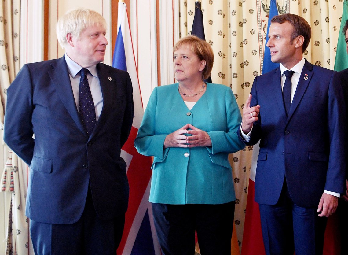 國內姿態強硬的強生,雖然貌似「勝券在握」,但他上任之後的外交互動卻處處碰壁,包括...