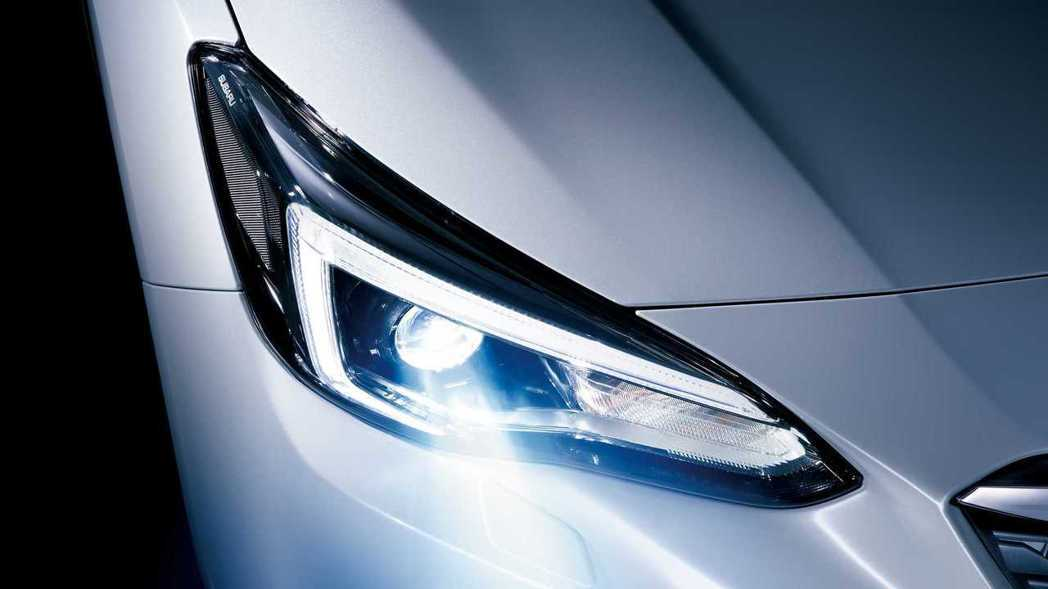 高階車型標配遠近光自動切換的LED頭燈。 摘自Subaru