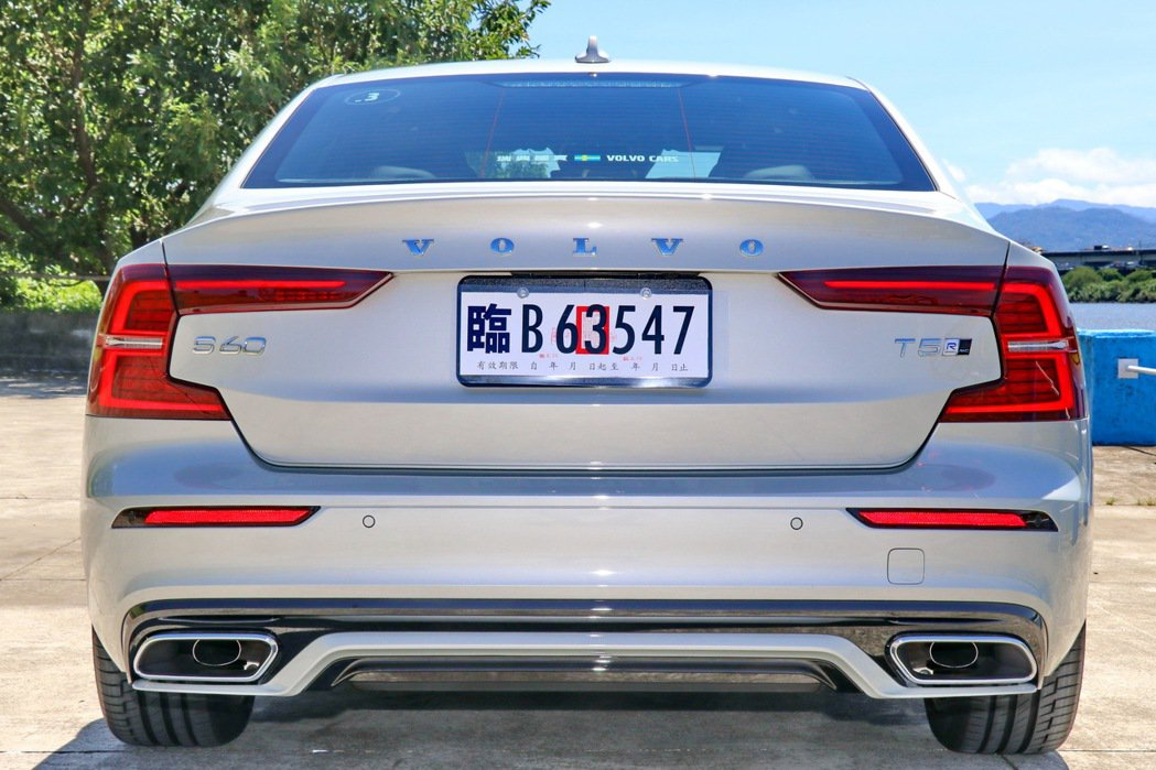 車尾具有濃厚辨識度。 記者陳威任/攝影