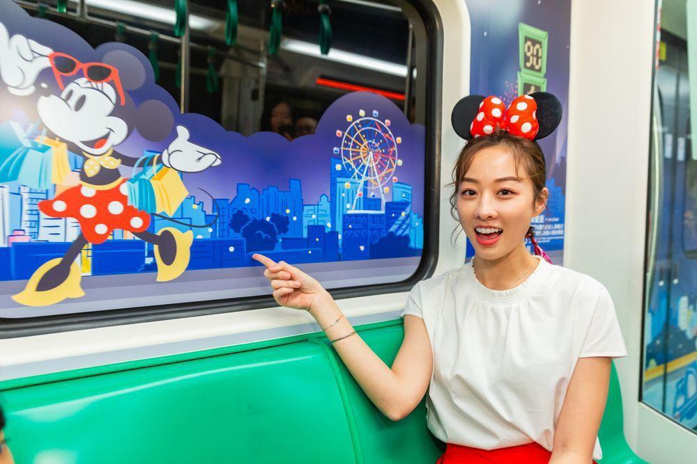 高雄捷運推出限定「米奇彩繪列車」。圖/高捷公司提供