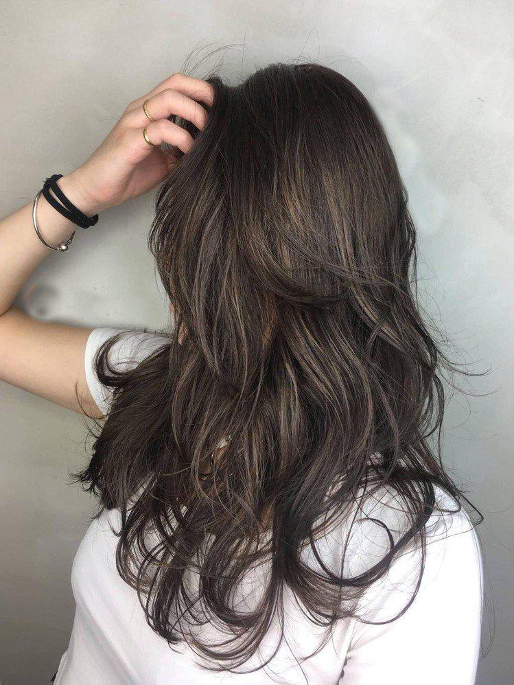 髮型創作/fifi髮型造型師。圖/StyleMap美配提供