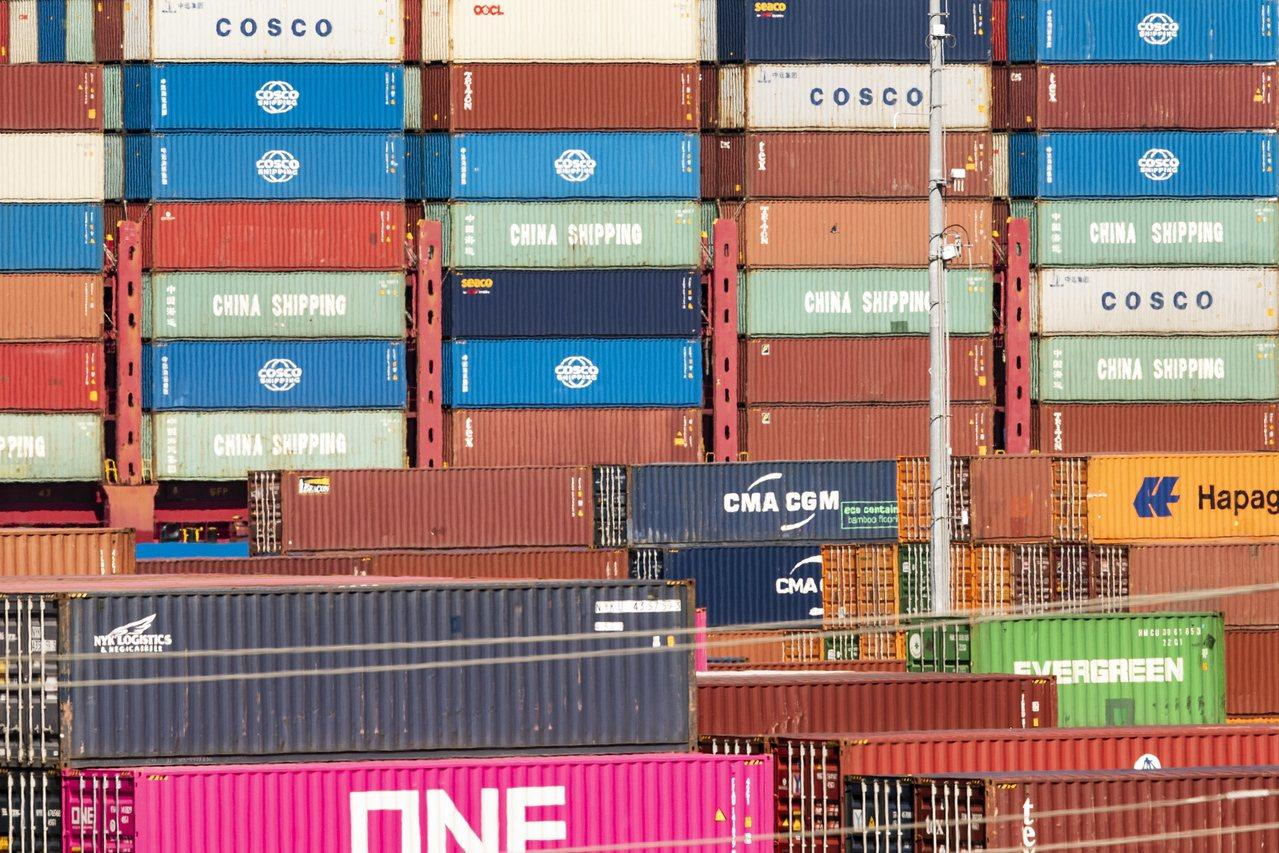 美國28日正式確認,對價值3,000億美元中國輸美商品所加徵的關稅,由10%提高...