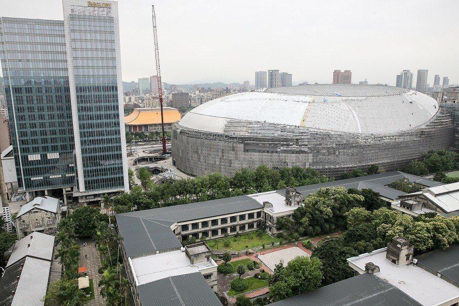 大巨蛋紛擾多時,今下午第7度闖關台北市都市設計審議委員會。圖/本報系資料照