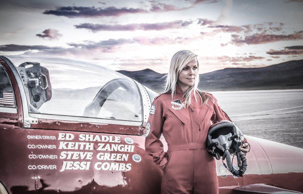美國女賽車手康姆斯(Jessi Combs)27日在試圖締造地表最快車速時,不幸...
