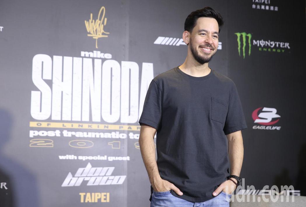 「聯合公園」麥可(Mike Shinoda)中午在台北大直萬豪酒店舉行媒體聯訪。...