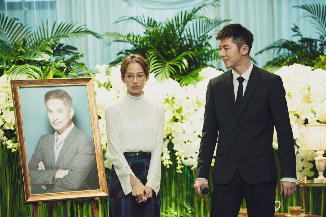簡嫚書(左)與李國毅主演的「靈異街11號」將完結。圖/LINE TV提供