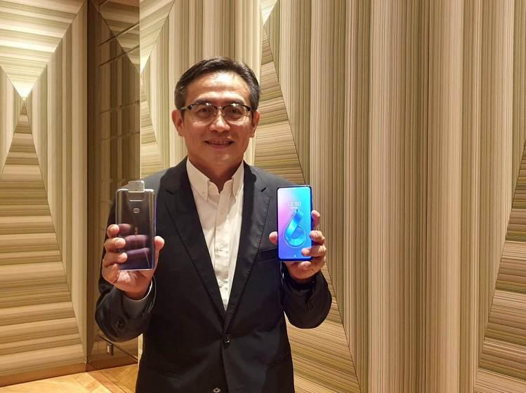 華碩全球副總裁林宗樑宣布,華碩9月起將攜手台灣五大電信力推ZenFone 6。記...