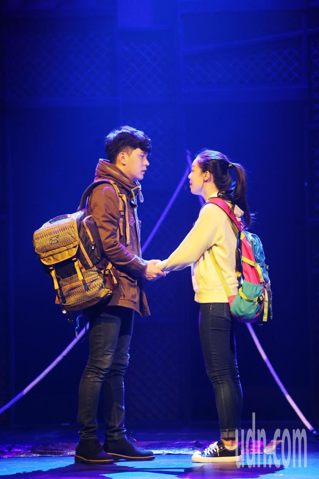 《 尋找金鐘旭》由三位演員演出完美結合讓人又哭又笑的初戀故事。記者徐兆玄/攝影
