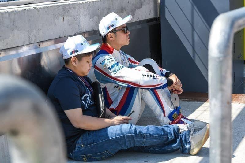 姚元浩今年周周都在賽車場度過,5月還發生過一次大車禍。圖/摘自臉書