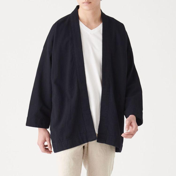 MUJI無印良品「文脈」系列:男土耳其棉藍染日式祭典寬袖外套,售價3,300元,...