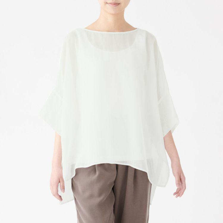 MUJI無印良品「文脈」系列:女有機棉紗織套衫,售價1,390元,統一時代與微風...