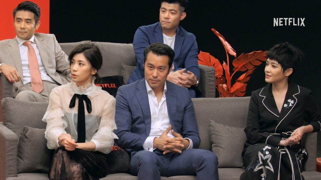 賈靜雯(前排左起)與張孝全、范曉萱、章立衡(後排左起)、王柏傑合作「罪夢者」,自...