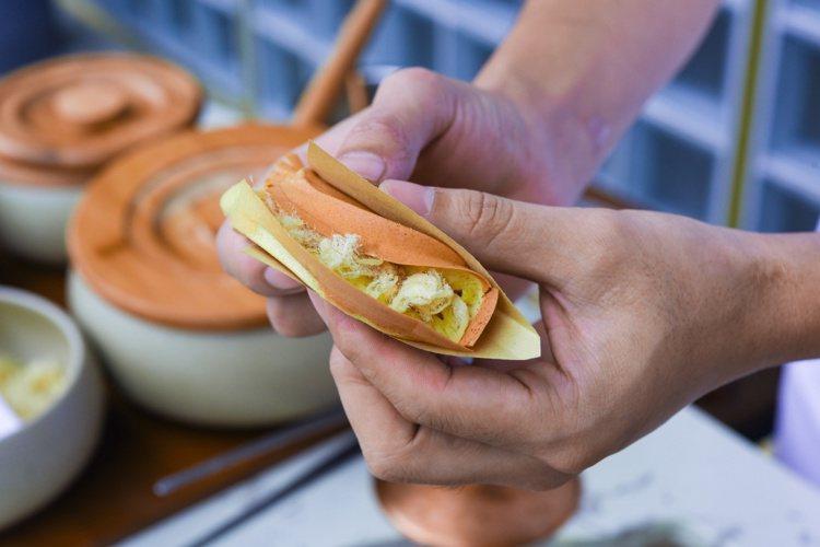 隱藏菜色手工老街蛋烘糕,用成都代表小點放入花樣繁多內餡,神祕口味令人期待。圖/R...