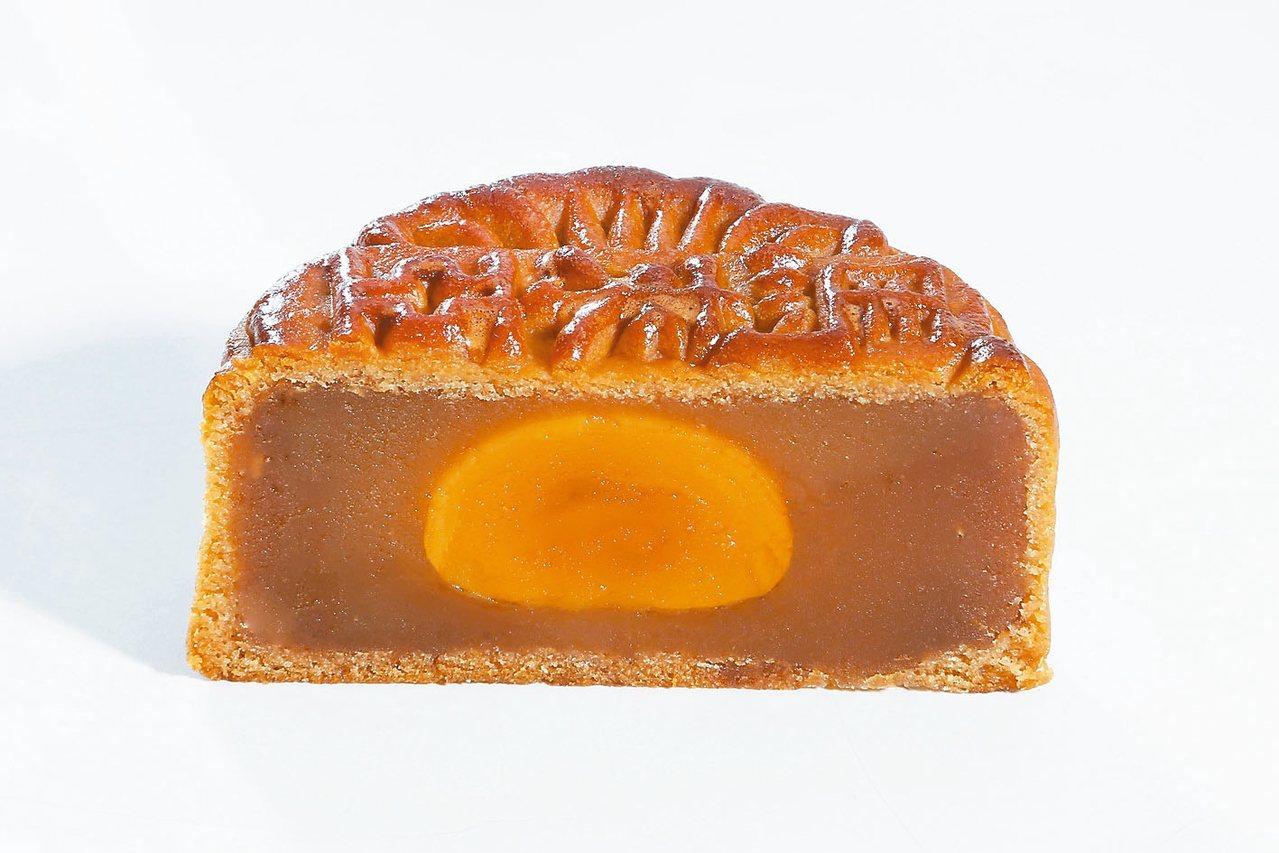 蛋黃蓮蓉。 圖/馬來亞月餅提供