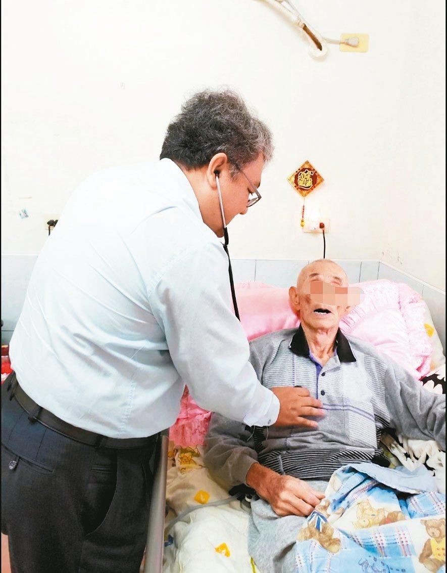 台灣邁入高齡社會,長照需求殷切。 圖/聯合報系資料照片