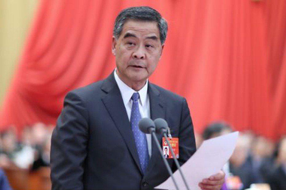 香港前特首梁振英稱,針對香港當前情勢,必要時,中共中央仍有體制外力量可用。 新華社