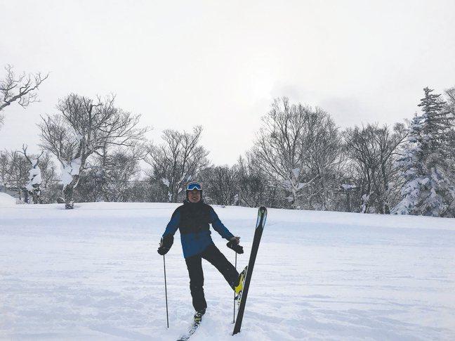 傅文芳談起著迷十年的滑雪總是特別興奮。 攝影/陳立凱   圖/傅文芳提供