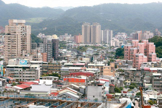 根據內政部資料,今年第一季台北市30年以上老屋交易占比高達48%。 本報資料照片