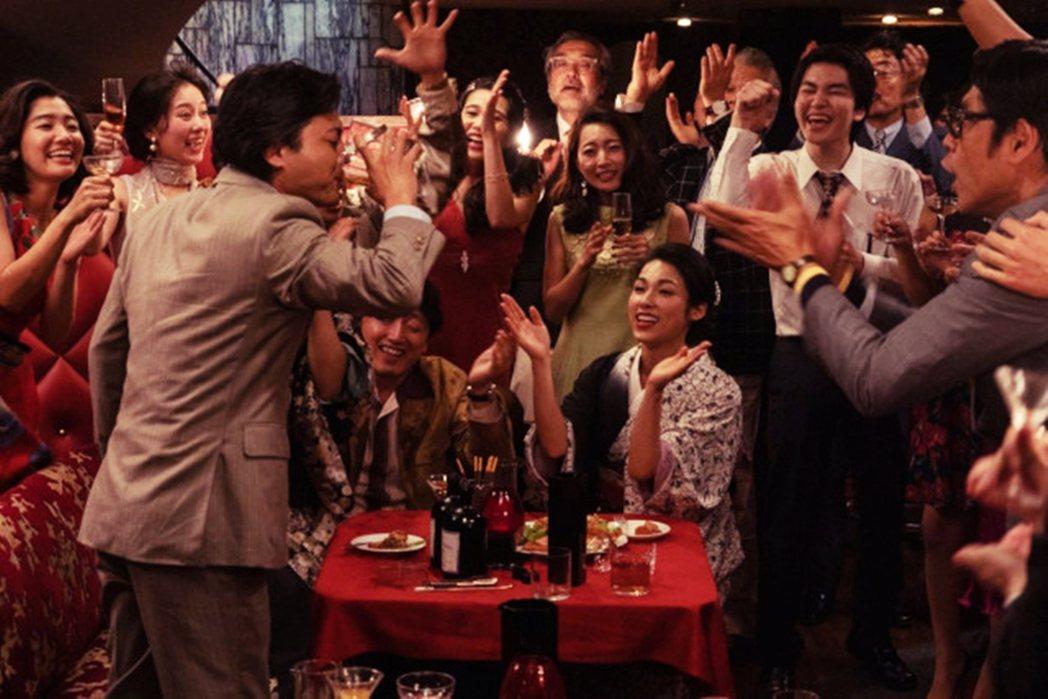 從日後進入「失落20年」慢性不景氣時代的今日日本來看,80年代末期根本就是個奇異...