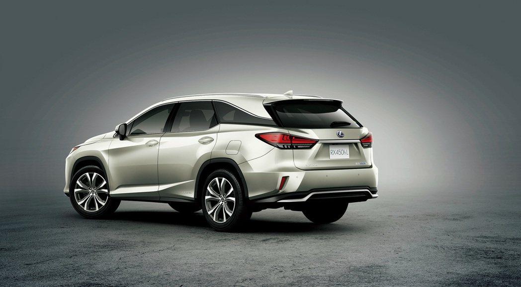 小改款Lexus RX車尾變動不大。 摘自Lexus