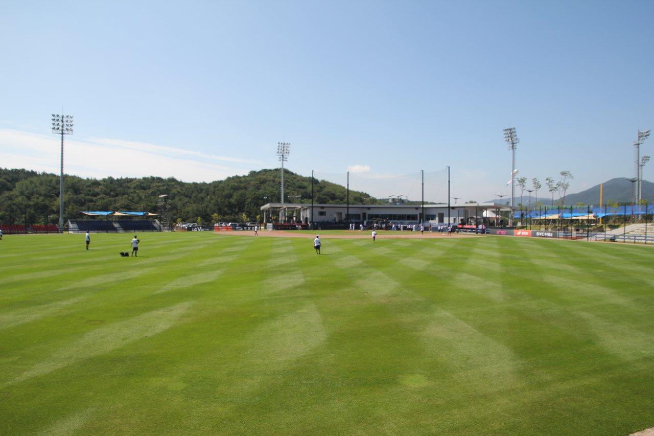 中華隊首戰對上巴拿馬隊,在主球場進行。記者葉姵妤/攝影