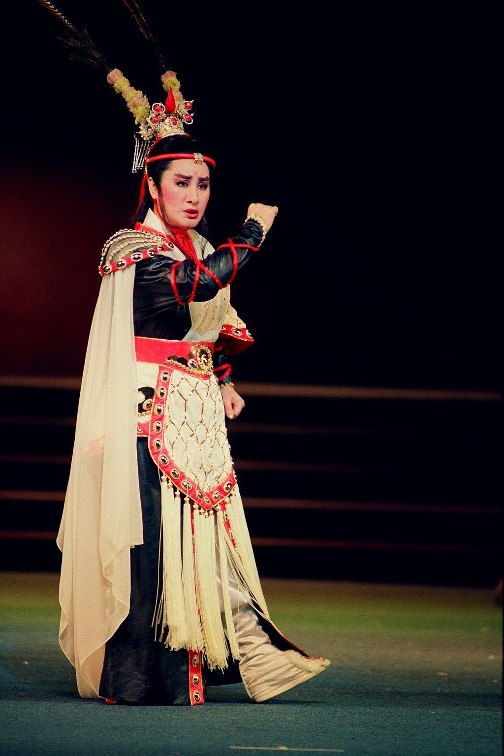 「呂布與貂蟬」是楊麗花歌仔戲首次進軍國家戲劇院演出。圖/麗生百合提供