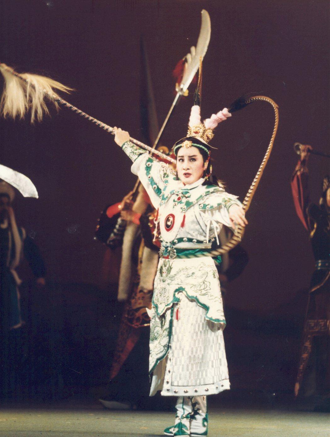 楊麗花在「雙槍陸文龍」戲中扮相英挺。圖/麗生百合提供
