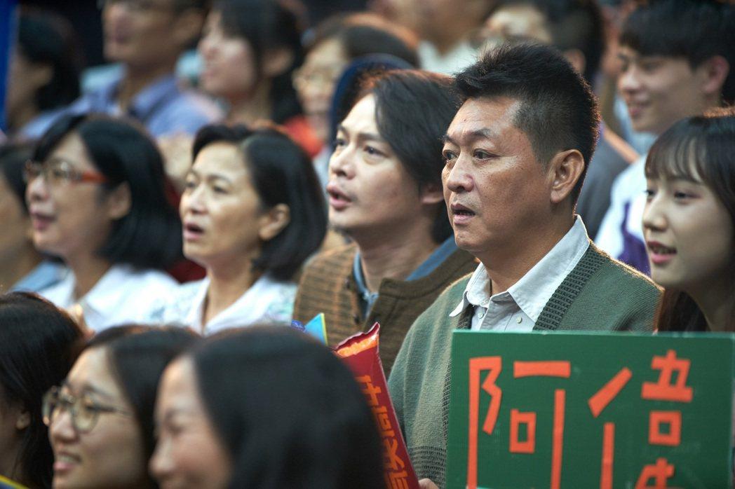 電影「下半場」票房逆勢成長,庹宗華(右)在片中飾演兩位男主角范少勳、朱軒洋的爸爸...