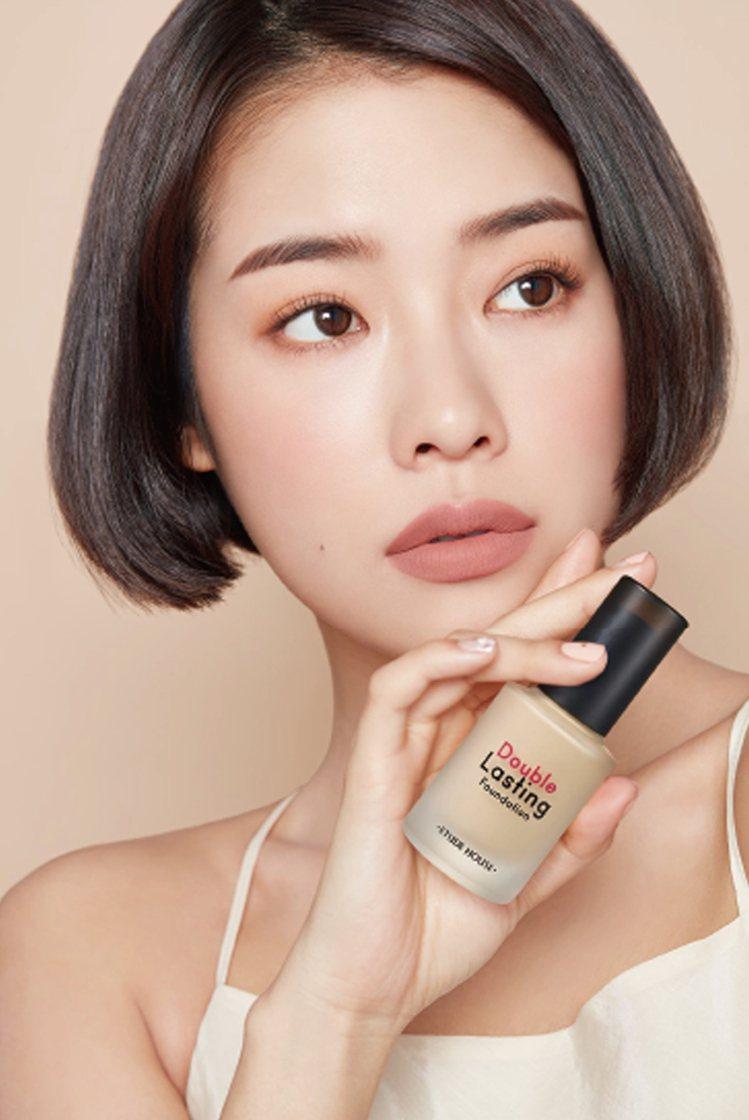 升級版的ETUDE HOUSE長效待肌~超持妝粉底液強化遮瑕度、服貼度、持久力與...