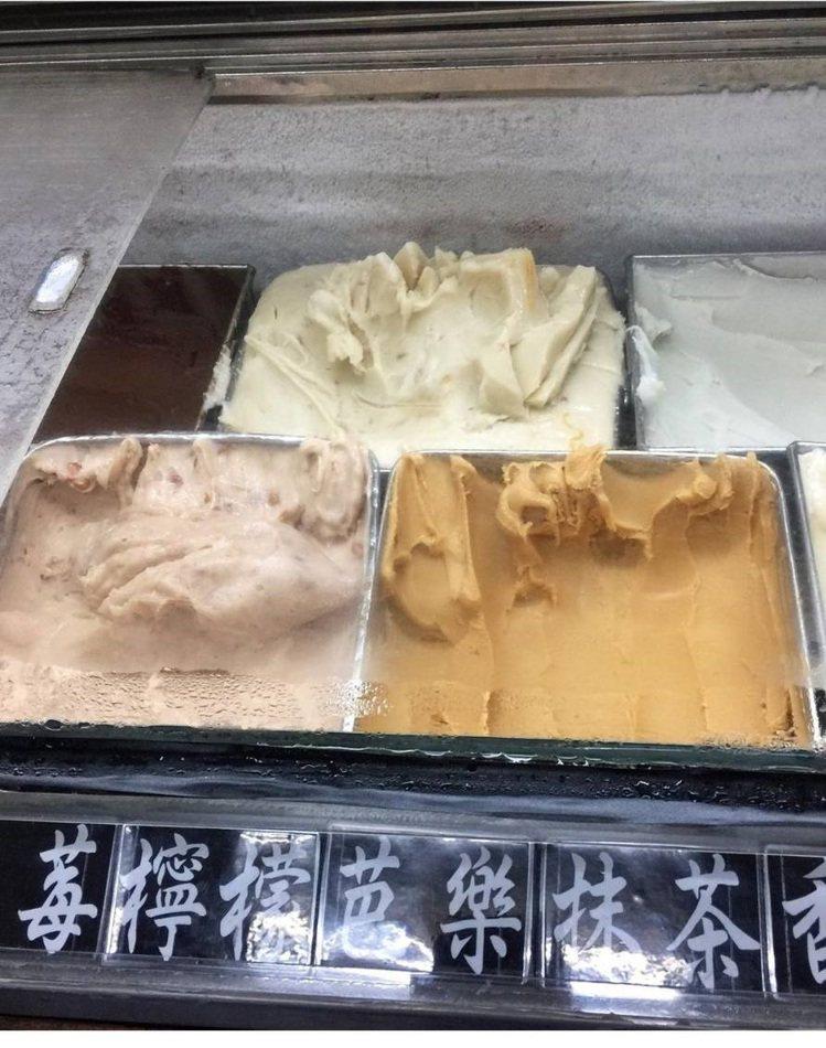 「和美冰果室」古早味冰淇淋口味多元。IG @shinshinlin提供
