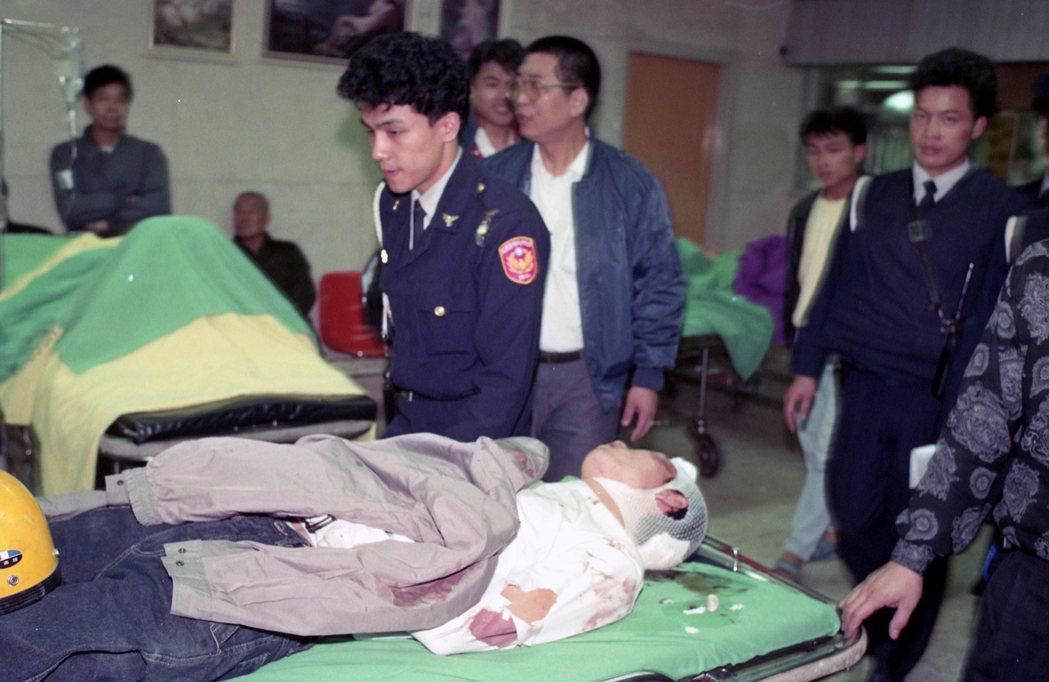 1991年11月間台北市圓山派出所警員查緝時遭歹徒攻擊,第一時間也送往慶生醫院。...