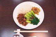 「腸漏症」讓身體持續發炎!專家建議:一樣食物別吃超過3餐