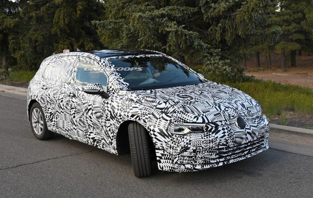 新世代Volkswagen Golf發表在即。 摘自Carscoops