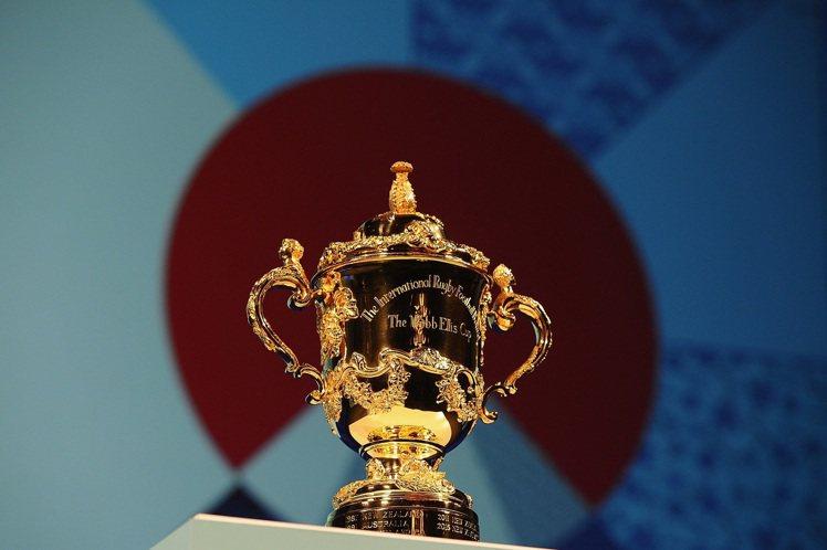 2015年橄欖球世界盃的韋伯艾里斯獎盃。圖/帝舵表提供