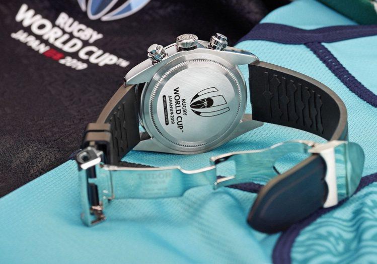 帝舵表為裁判特製的Black Bay Chrono特別版腕表背面。圖/帝舵表提供