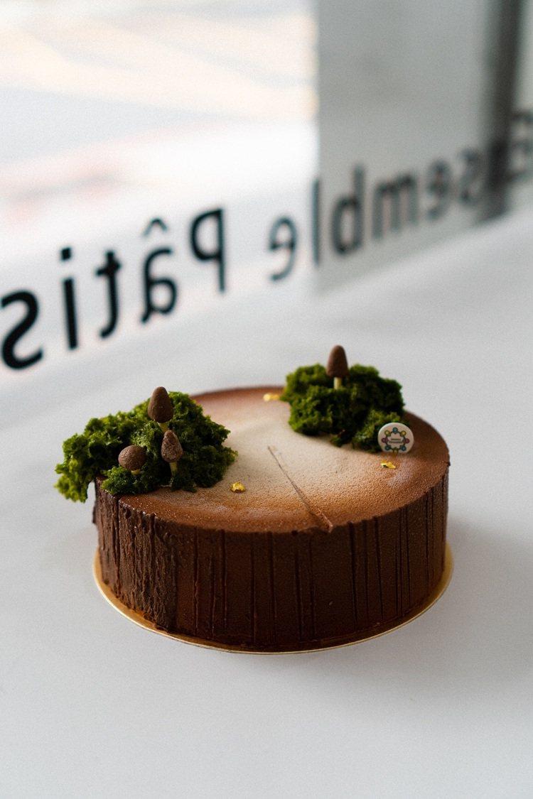 稻町森法式甜點舖「森林裡路過」,玄米茶慕斯配上紅心芭樂奶餡,6吋1,380元。圖...